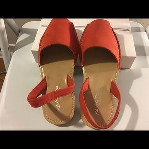Kenneth Cole women's sandal.